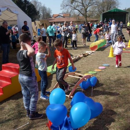 """Bieg """"Razem dla autyzmu"""" w malowniczych plenerach powiatu płockiego"""