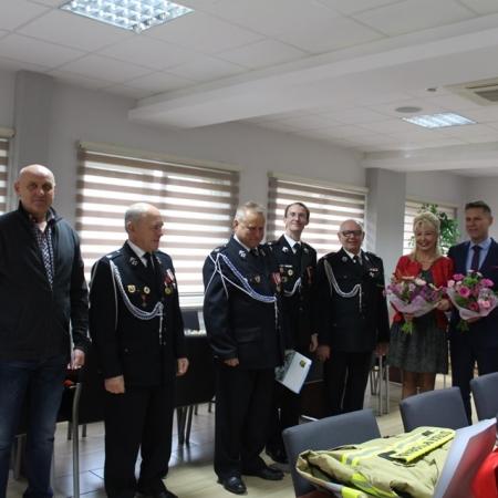 Sprzęt i umundurowanie dla strażaków z gminy Słupno
